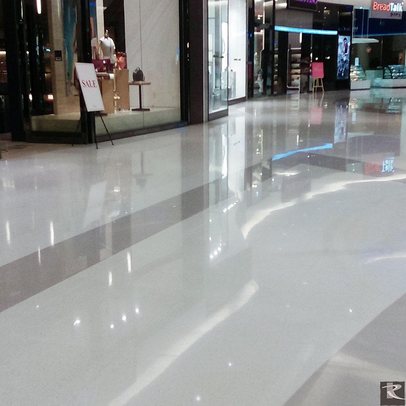 羅馬崗石人造石產品品質良好,不易產生病變,令Crescent Mall業主後續清潔保養無慮。