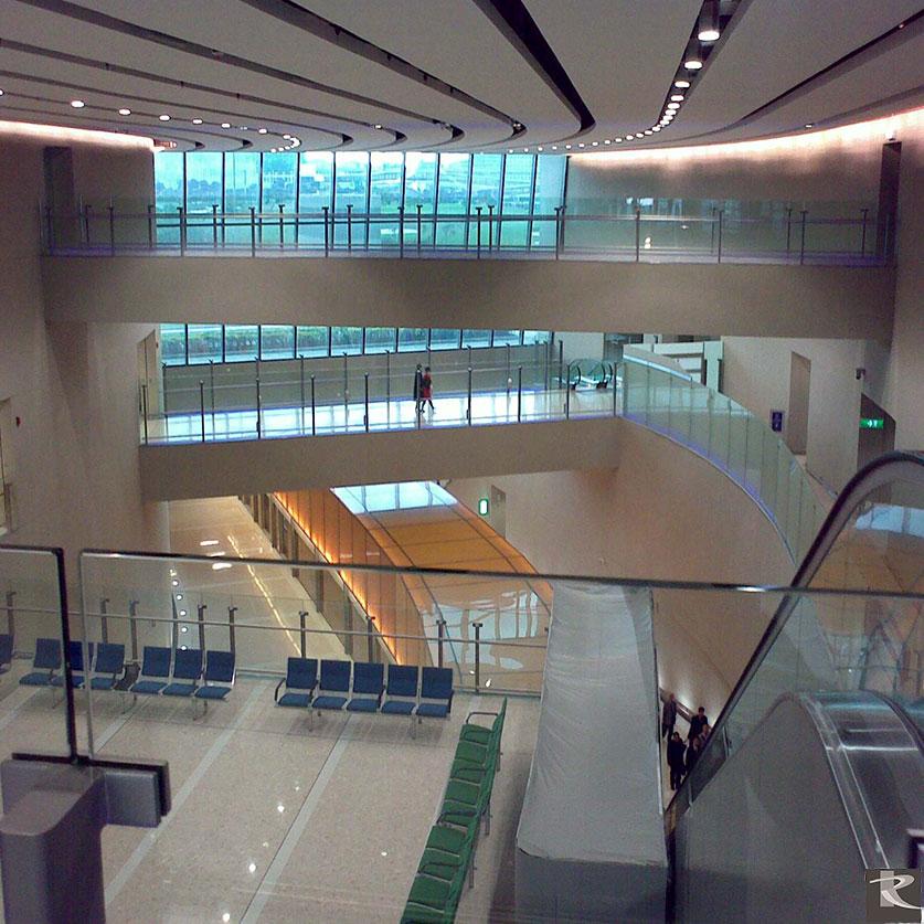 羅馬崗石人造石綠建材能長年限承載高人流量而備受國際機場的歡迎