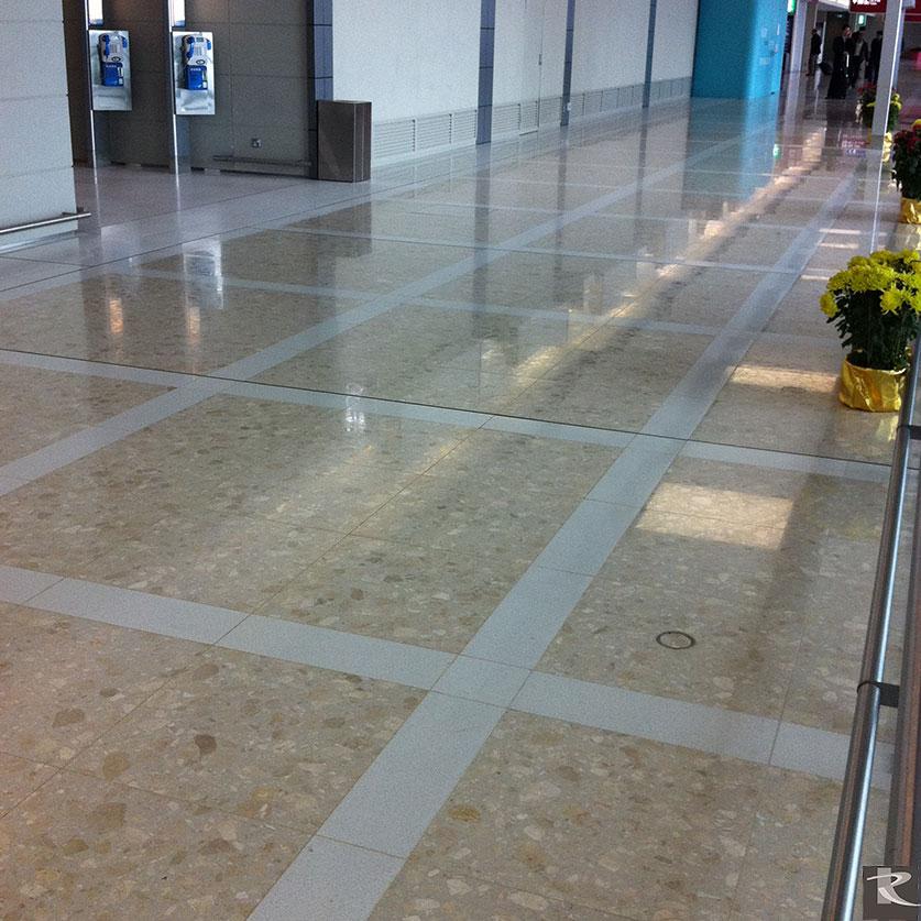 羅馬崗石人造石為香港國際機場在迪奧系列的基礎上進行客製化色彩