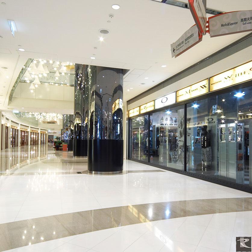 台灣高雄統一夢時代地坪使用的是來自台灣羅馬崗石人造石伊麗絲系列的建材精品
