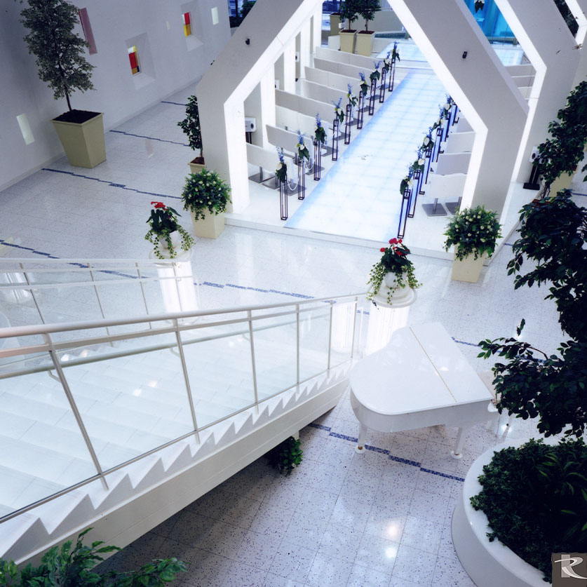 日本東京千代田區LUMI AMORE結婚式場使用的是來自台灣羅馬崗石人造石伊麗絲系列的建材精品